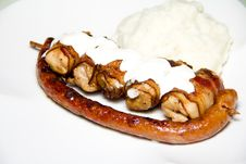 Free Grilled Sausage And Chicken With Mash Stock Images - 25977214