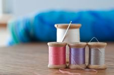 Free Needle And Thread Still Life Royalty Free Stock Photo - 25980975