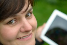 Yougn Woman With Tablet Pc Royalty Free Stock Photos
