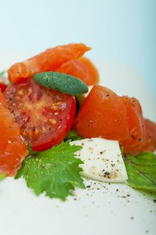 Free Salad With Smoked Salmon Royalty Free Stock Image - 25985176