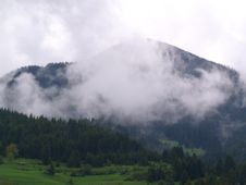 Free Morning Fog In The Rhodopes, Bulgaria Stock Image - 25985571