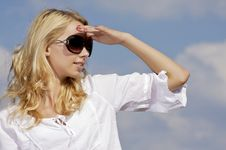 Free Beautiful Girl In Sunglasses On Blue Sky Stock Photography - 25987972