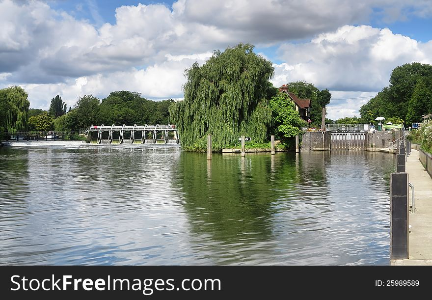 Weir and lock gate on the River Thames