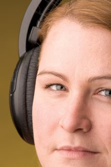 Free Woman With Headphone Royalty Free Stock Image - 263546