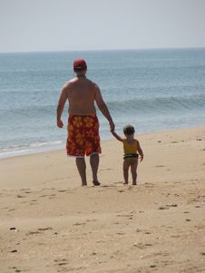 Free Father And Daughter Walking On Beach Stock Photography - 266252