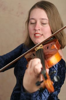 Free Prettyl Violinist Stock Photography - 268972