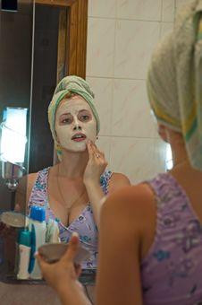 Free Do Makeup Stock Image - 2602331