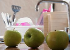 Free Three Apples Stock Images - 2605194
