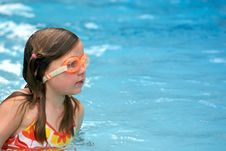 Free Girl Swimming With Goggles Royalty Free Stock Images - 2608119
