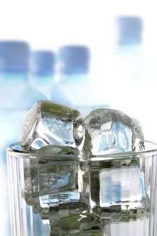 Free Ice And Water Royalty Free Stock Photo - 2609545