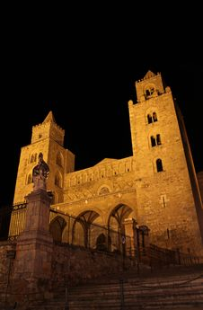 Cefalu Cathedral At Night Royalty Free Stock Images