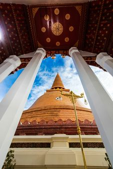 Free Thai Temple Stock Photo - 26010740