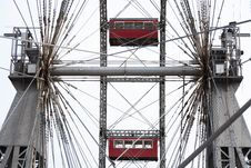 Free Ferris Wheel Royalty Free Stock Photo - 26031155