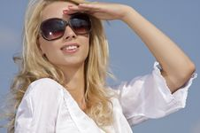 Free Beautiful Girl In Sunglasses On  Blue Sky Stock Photo - 26032280