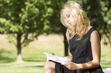 Free Young Woman Reading Book Royalty Free Stock Images - 26032289