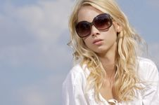 Free Beautiful Girl In Sunglasses On  Blue Sky Stock Photos - 26032293