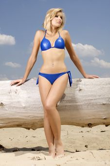 Free Beautiful Blonde Woman In Blue Bikini Royalty Free Stock Images - 26032309