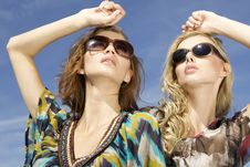 Free Two Beautiful Girl In Sunglasses Royalty Free Stock Photography - 26049097