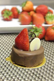 Free Chocolate Cake Royalty Free Stock Photos - 26055998