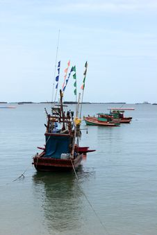 Free Small Fishing Boats Royalty Free Stock Photography - 26059097
