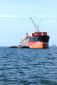 Free Cargo Ship Royalty Free Stock Image - 26059316