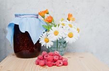 Free Fresh Raspberries And Jam Royalty Free Stock Photography - 26075747