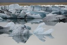 Free Ice Lagoon. Royalty Free Stock Photography - 26086697