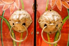 Free Golden Handle On The Door Stock Photography - 26093592