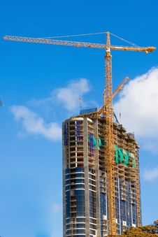 Free Sky Scraper Crane Royalty Free Stock Photo - 2610365