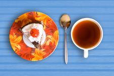 Free Tea Cup And Cake Royalty Free Stock Photography - 2612437