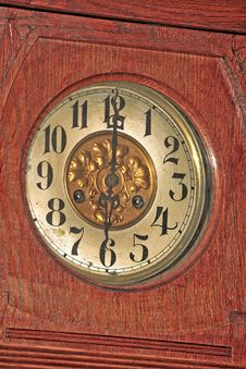 Free Wooden Clock Stock Photography - 2613222