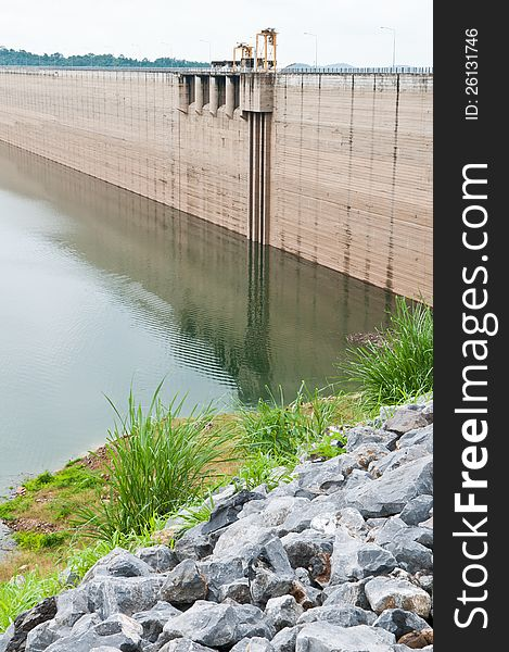 Stone and dam water level