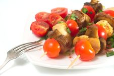 Free Roasted Chicken With Mushrooms And Tomatoes Stock Photo - 26159360
