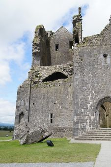 Free Rock Of Cashel Cathedral Royalty Free Stock Photos - 26165318