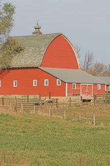 Free Vintage Red Barn Stock Photo - 26178610