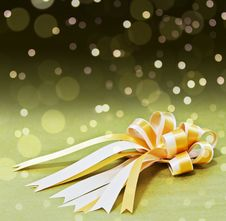 Golden Bow & Ribbon Royalty Free Stock Photo