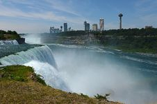 Free Niagara Falls Royalty Free Stock Photography - 26184897