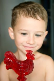 Free Red Candy In Hands Of A Kid Stock Photo - 26189630