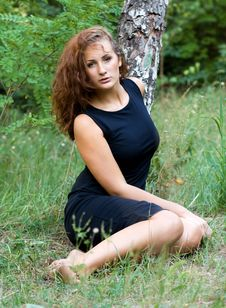 Free Beautiful Girl On A Background Of Green Nature Royalty Free Stock Photography - 26196977