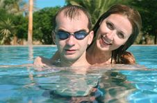 Free Couple In A Swiming Pool Royalty Free Stock Photo - 2620015