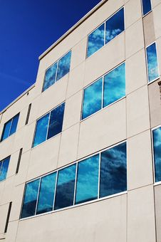 Free Building With Blue Sky Stock Images - 2622064
