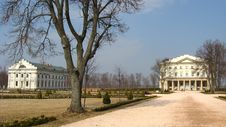 Free Palace Of Count Rozumovsky In Baturin Royalty Free Stock Image - 26201286