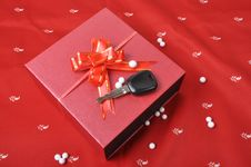 Free Car Keys And Gift Box Stock Images - 26213534