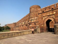 Free Entrance Of The Agra Fort. Royalty Free Stock Photos - 26225938