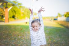 Free Young Girl Playing Stock Images - 26229274