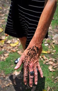 Henna Hand Tattoo In Delhi, India