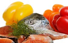 Free Raw Salmon And Vegetables. Stock Image - 26231301