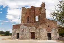 Free San Galgano Abbey Tuscany, Italy Royalty Free Stock Photography - 26253107