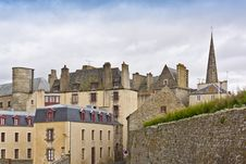 Free Townhouse And Defensive Walls In Saint-Malo. Stock Photography - 26266812