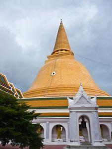 Free Buddhist Stupa Stock Images - 26267274